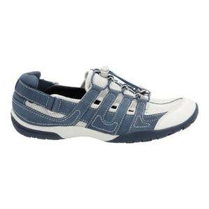 Clarks Vailee Frost Sneaker Navy Nubuck NIB